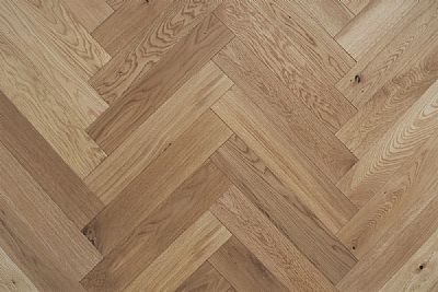 90mm Oak Herringbone UV oiled eng.