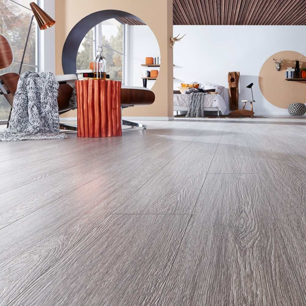 Pier Oak Laminate Flooring